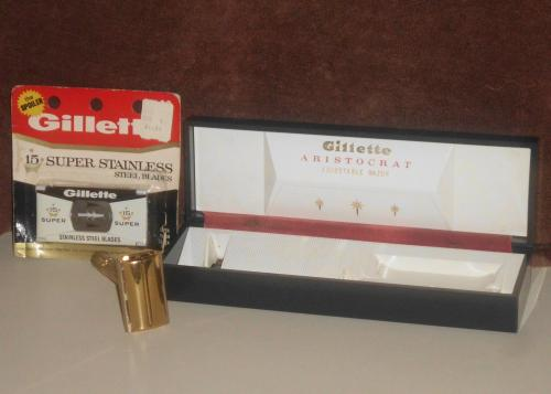1961 Gillette Aristocrat w Case and Blades