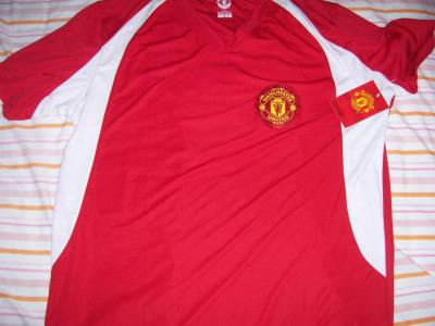 Manchester United red replica jersey XXL NEW WITH TAGS