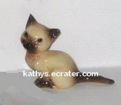 Hagen Renaker Mama Siamese Cat  #438 Animal Figurine