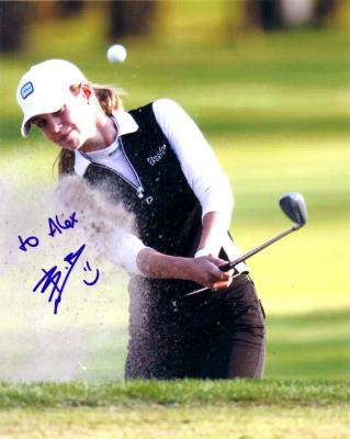Beatriz Recari autographed 8x10 golf photo (to Alex)
