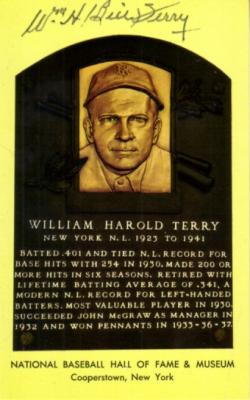 Bill Terry (Giants) autographed Baseball Hall of Fame plaque postcard