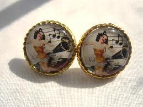 Pin up Girl Singer Earring Vintage Retro Woman Music Jewelry